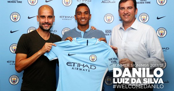 Danilo joins Manchester City